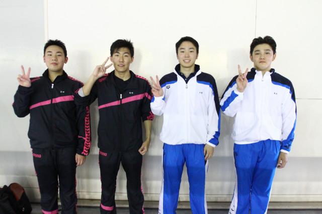 男子4×100メートルフリーリレーで大会新を出した函中部(左から倉地、関崎、中澤、東出)