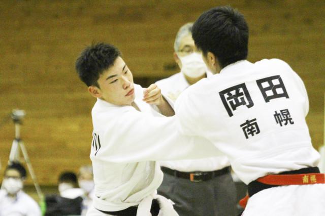 【男子団体戦決勝、南幌―巴】チームの核として優勝に貢献した巴の長谷川譲希