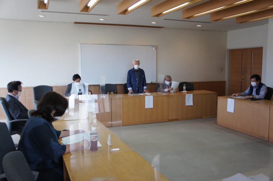 江差町役場で開かれた解散総会